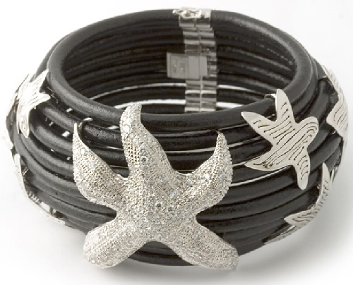 18 kt. white gold, leather 'Starfish' bracelet with diamonds