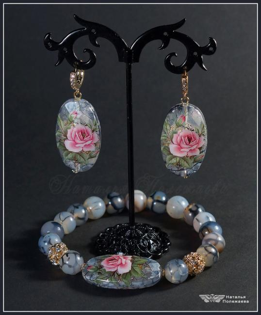 Bracelet and earrings 'Winter Rose'