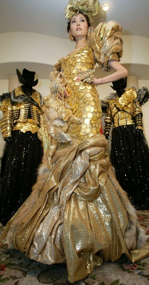 Fifteen Most expensive dresses. Ginza Tanaka dress of gold coins