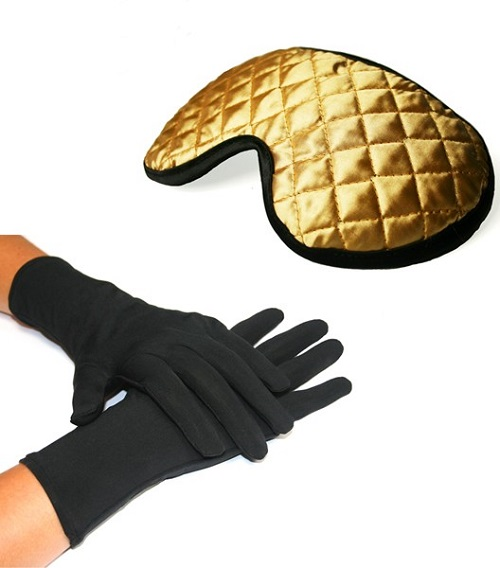 New Luxury Anti-ageing gloves and mask set containing 24 Karat GOLD