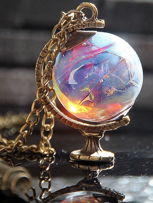 Pendant 'Sunset on a distant planet', brass globe