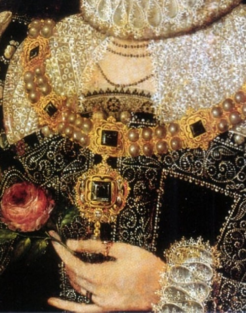 Symbolism of wearing rings. 1575-1578 Portrait of Elizabeth, attributed to Nicholas Hilliard (Anglesey Abbey, Cambridge UK)