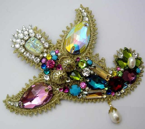 Angel. Brooch by Bakhtiyor Baltabayev