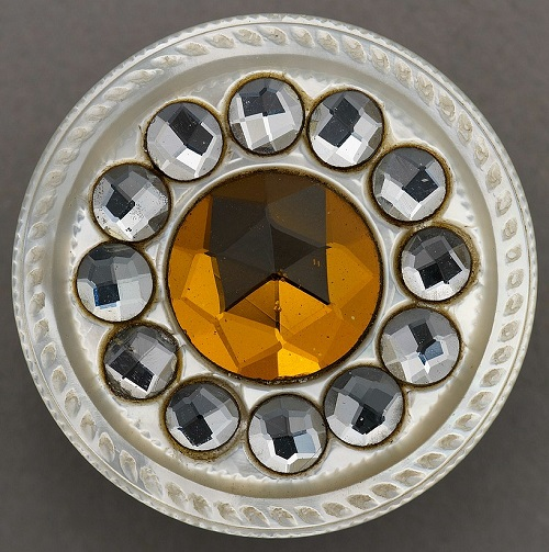 Antique jewellery button