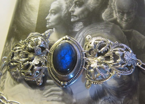 Art Nouveau style Bracelet 'Versailles', made of luxurious labradorite, shining thick blue and silver