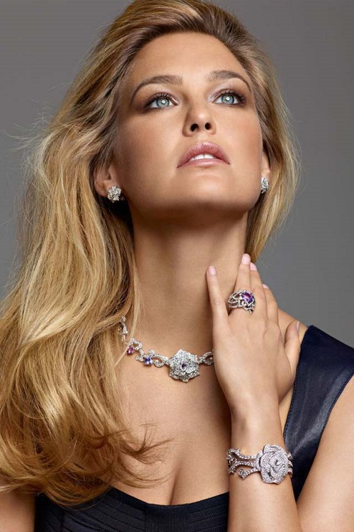 What can jewellery tell about its owner. Bar Refaeli