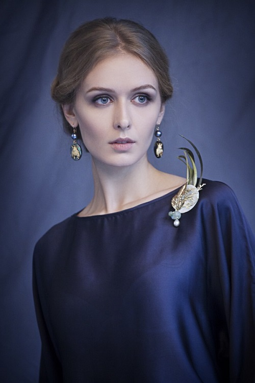 Brooch and Earrings by Bakhtiyor Baltabayev. Model Kristina