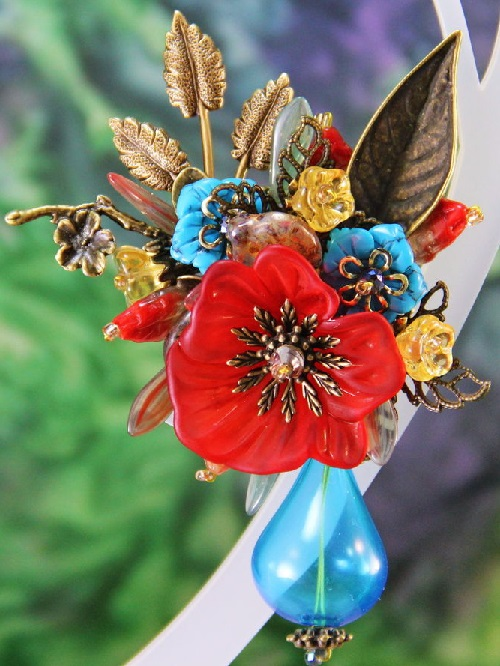 Brooch wildflowers