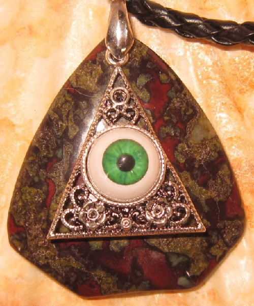 Pendant 'All-seeing eye', made of a beautiful landscape jasper