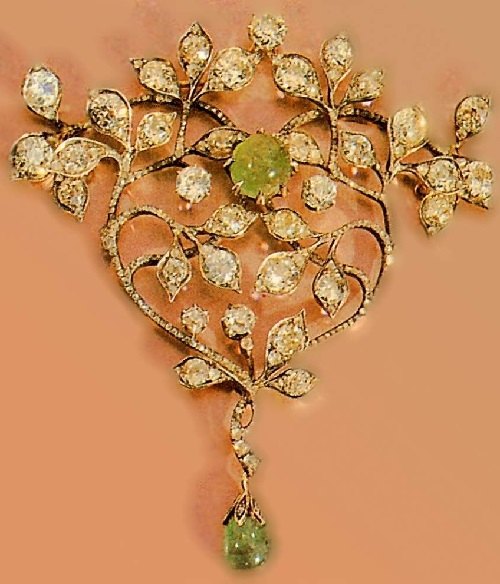 Carl Faberge Pendant. Early 20th century, diamond, diamond-cut 'rose', emeralds