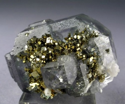 Fluorite, quartz and pyrite