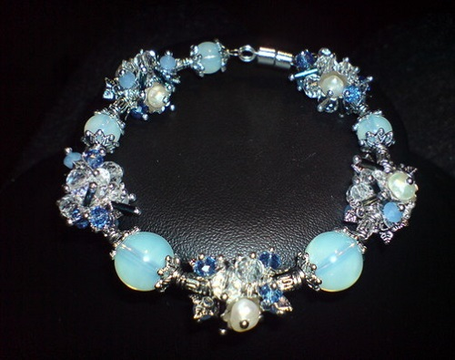 Moonstone necklace by ELvirEL