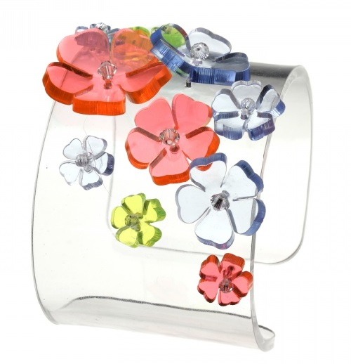 Multicolor plastic bracelet decorated with flowers