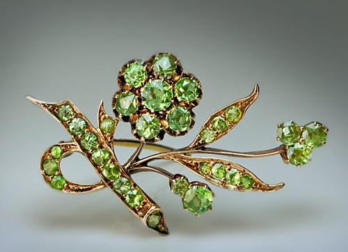 Russian Art Nouveau brooch. Kazan, 1899 - 1908. Gold, Ural demantoid. Russian Art Nouveau jewellery