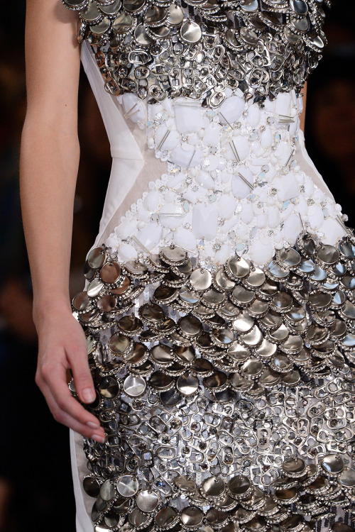 Bottle cap fashion. Alessandro Dell'Acqua Spring Summer 2013