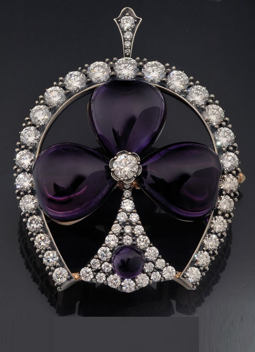 Brooch-pendant of gold and silver with amethyst and diamonds