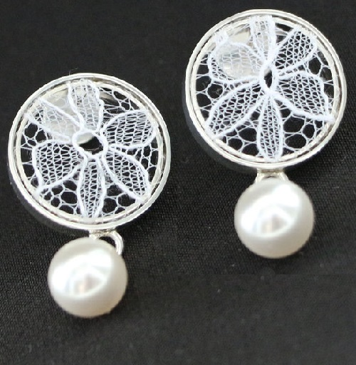 Earrings made of silver 925, Chantilly lace, supplemented with artificial pearls