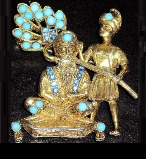 Hattie Carnegie Book Piece Maharaja Fanned By Slave Turquoise Rhinestone Pin