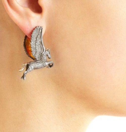 Horses earring. Turkish jeweler Sevan Bicakci