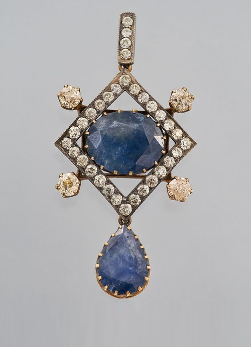 Pendant with Sapphires