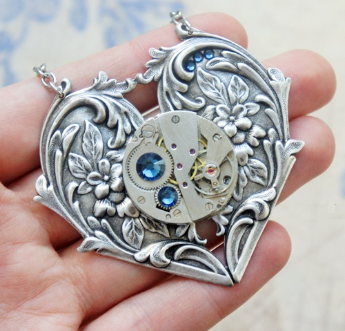 Steampunk Pendant 'In the heart'