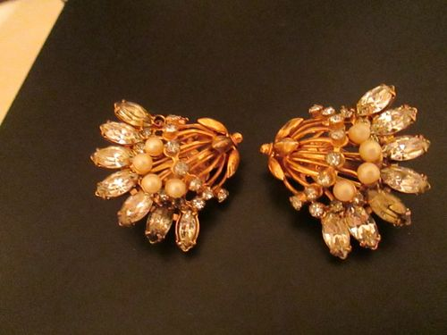 Vintage Hattie Carnegie large bell flower clip earrings rhinestone and faux pearl
