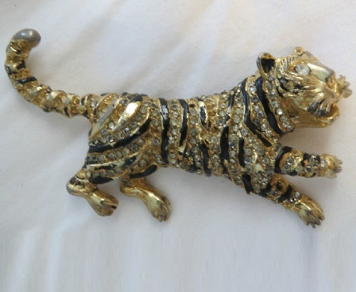 Vintage Hattie Carnegie tiger cat pin signed book piece