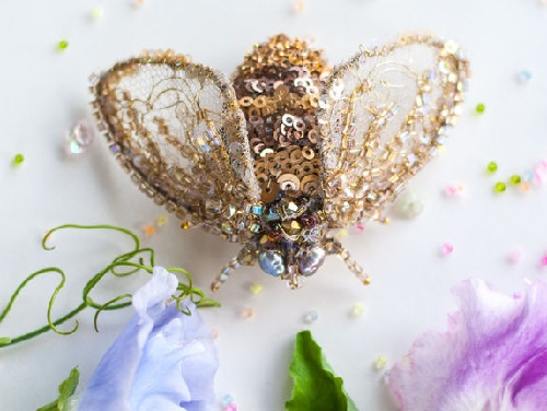 Brooch Bee Blanca