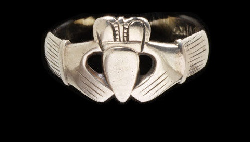 Made in Galway, Ireland 1750-1800 Claddagh ring of engraved gold. Jeweler Andrew Robinson