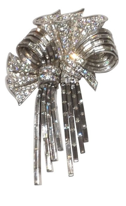 Double clip Brooch. Diamond and platinum