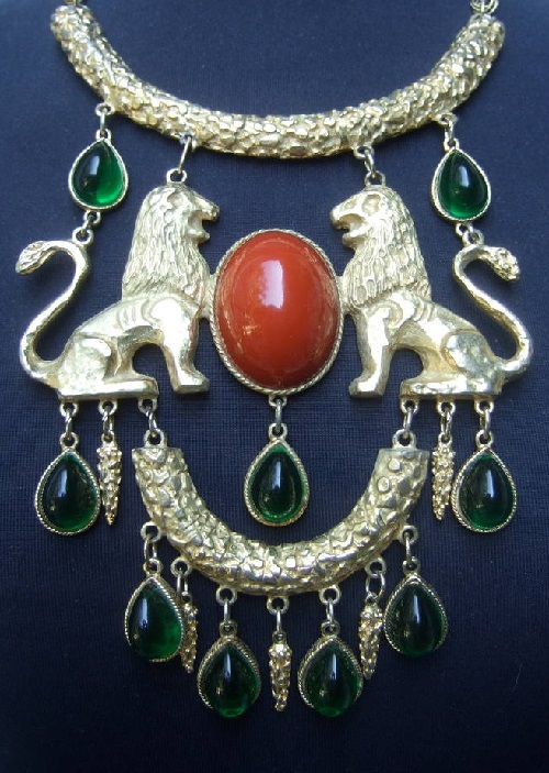 Lion Cabochon Necklace by Donald Stannard (photo 1stdibs.com)