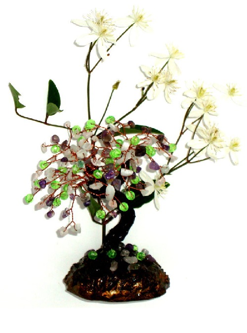 Miniature tree made of amethyst, quartz beads