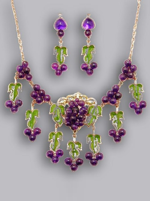 Necklace Berries. Gold, amethysts, enamel