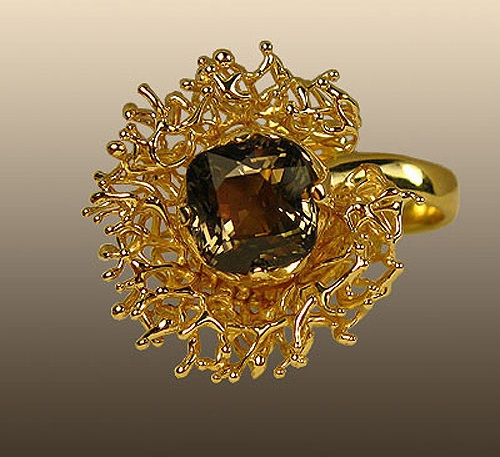 Ring Sea lily of lemon gold with tourmaline