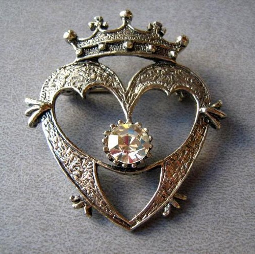 Sacred Heart Jewellery. Traditional Scottish brooch Luckenbooth in the shape of a heart, topped with a crown
