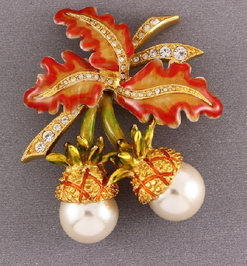 Vintage Brooch Acorns by Joan Rivers