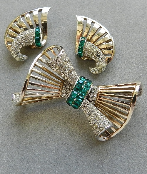 Vintage brooch and clips Boucher