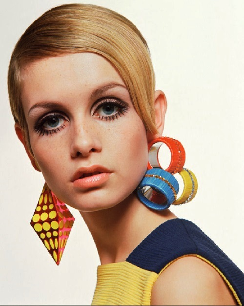 1960s jewelry advertising by Twiggy