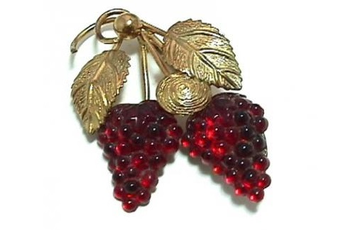 Vintage grapes brooch