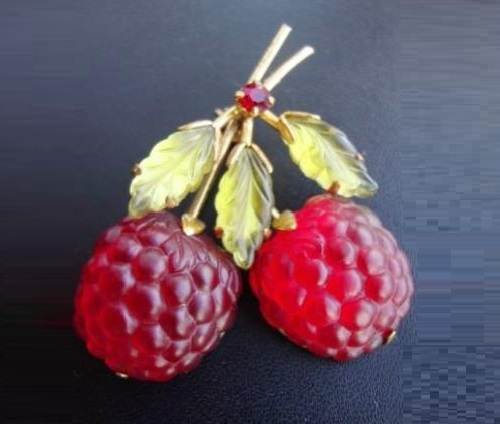 Vintage raspberry brooch