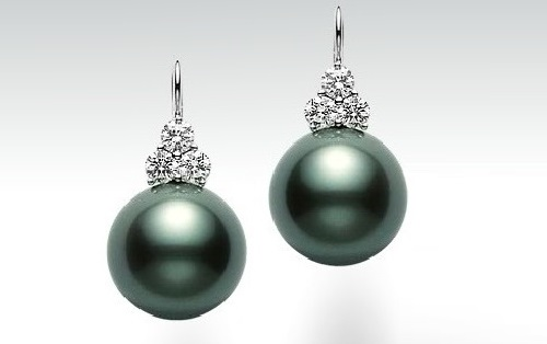 Earrings with pearls from Mikimoto