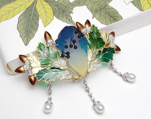 Enameled brooch from Jewellery collection 'In the Garden'