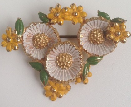 Flowers brooch. Exquisite signed