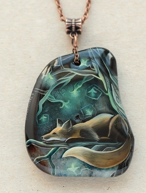In a fairy dream. Pendant, agate, lacquer miniature