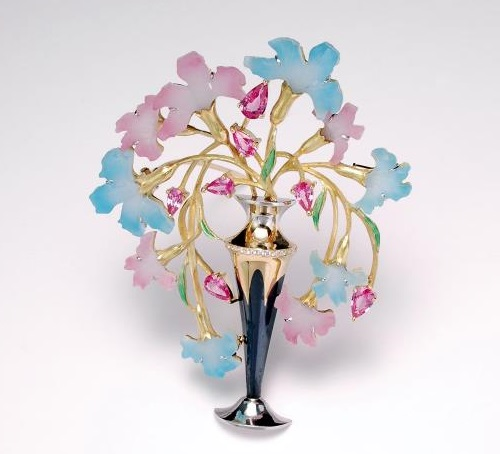 'In the Garden' by Japanese jeweler Kunio Nakajima