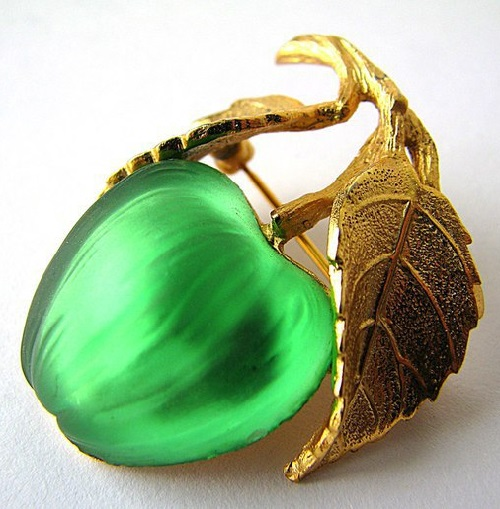Napier vintage brooch Green Apple