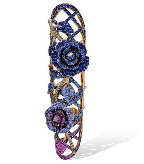 The armor Rose ring in sapphires and amethysts