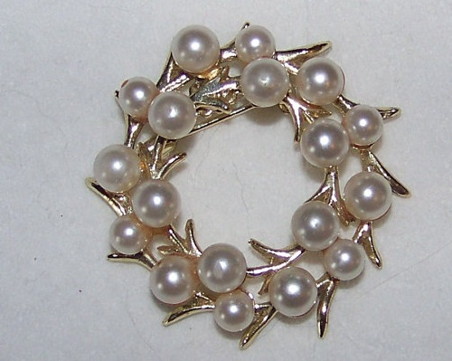 Vintage Circle Pin Brooch with Faux Pearls, marked Mamselle