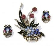 Basket flowers brooch and clips. 1946