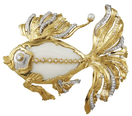 Brooch 'Goldfish', white and yellow gold; diamonds, pearls, agate